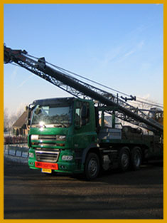 Transport_DAF_CF85_410_met_4ass_Semi_dieplader